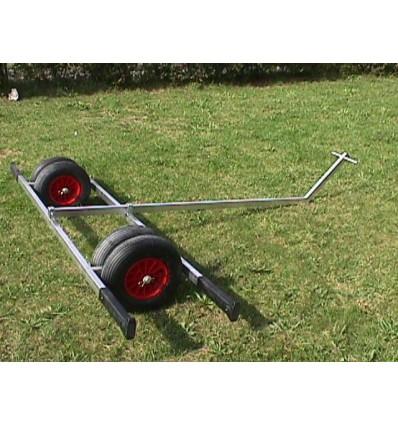 Mise a l'eau échelle aluminium 4 roues.